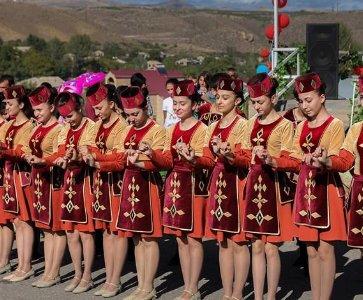 Handes! Armenian Dance Summit