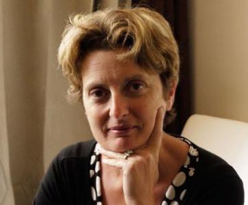 Isabelle ESTOURNET-DJEHIZIAN