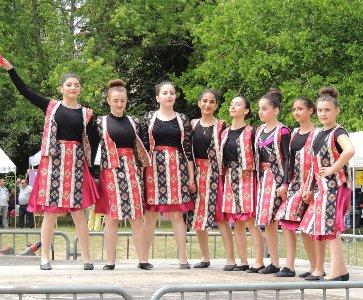 Les Arméniens de Poitiers à la fête de quartier des Trois Cités