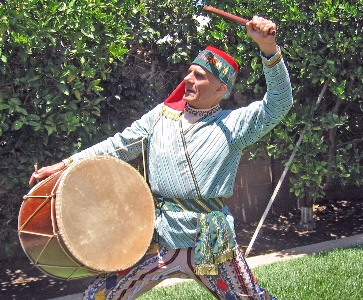 Tom Bozigian presenting master class in Armenian traditional dance