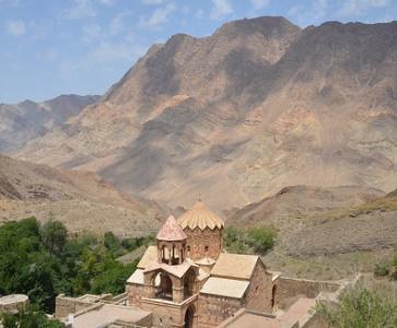 Trois monastères arméniens en Iran